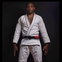 Cours particulier Jiu-jitsu brésilien Paris.  Brazilian Jiu-Jitsu black belt for private lessons. Dedicated to 100% which will allow you to have a much faster and more efficient progression.