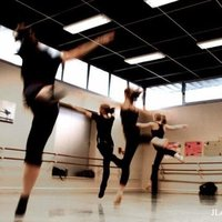 Coaching bien etre par la danse a paris ou montrouge . .