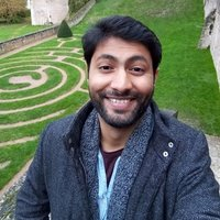 (PAS DISPONIBLE EN FRANCAIS) Guitar player for 3 years, happy to teach guitar or ukelele