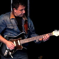Guitariste Pro donne Cours particuliers : Rock, Blues Rock, Country Rock, Jazzy Blues, Pop, Fusion-95 Nesles la Vallée