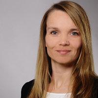 Need an energy boost? Certified Yoga teacher for Vinyasa and Anusara Yoga gives courses in english or german. Experience with online teaching.