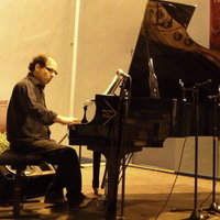 Prof. Piano, Composition, Improvisation : Jazz, Latin Jazz, Tango Argentin, Musique latine.