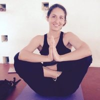 Psychologue instructrice de méditation MBSR donne cours de yoga à Saint Germain en Laye