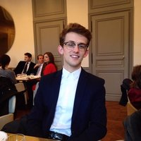 Student in architecture helps you speaking better French in Versailles and around.