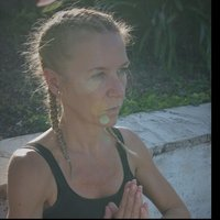 YOGA à Cannes  et environ - Hatha traditionnel & flow, méditation  (cours coll/part)
