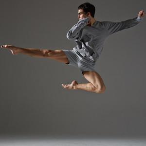 simon paris 18e paris danseur pro prof de danse donne cours particuliers de groupe ou. Black Bedroom Furniture Sets. Home Design Ideas