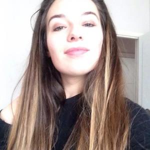 johanna bordes hautes pyrénées jeune fille de 19 ans donne cours
