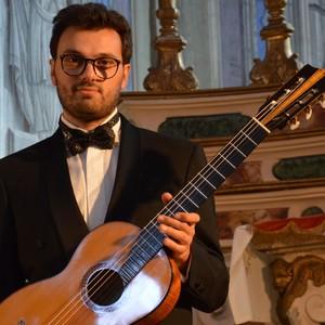Yuri Saint Genis Pouilly,Ain : JOUER LA GUITARE A' 3 ANS! Cours de Guitare Mèthode Suzuki à Geneve