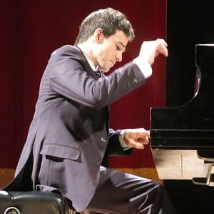 fernando paris 19e paris pianiste concertiste donne cours de piano domicile paris 19 me. Black Bedroom Furniture Sets. Home Design Ideas