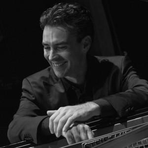 goran paris 13e paris pianiste concertiste propose des cours particuliers de piano pour tous. Black Bedroom Furniture Sets. Home Design Ideas