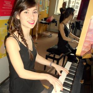 emilie villeneuve d 39 ascq nord pianiste en c e p i au conservatoire de lille 11 ans d. Black Bedroom Furniture Sets. Home Design Ideas